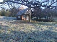 chatka na pozemku