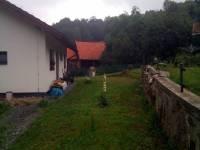 dům z boku